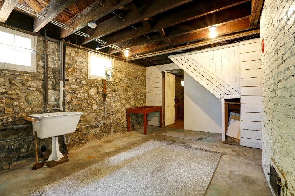 basement room with old sink